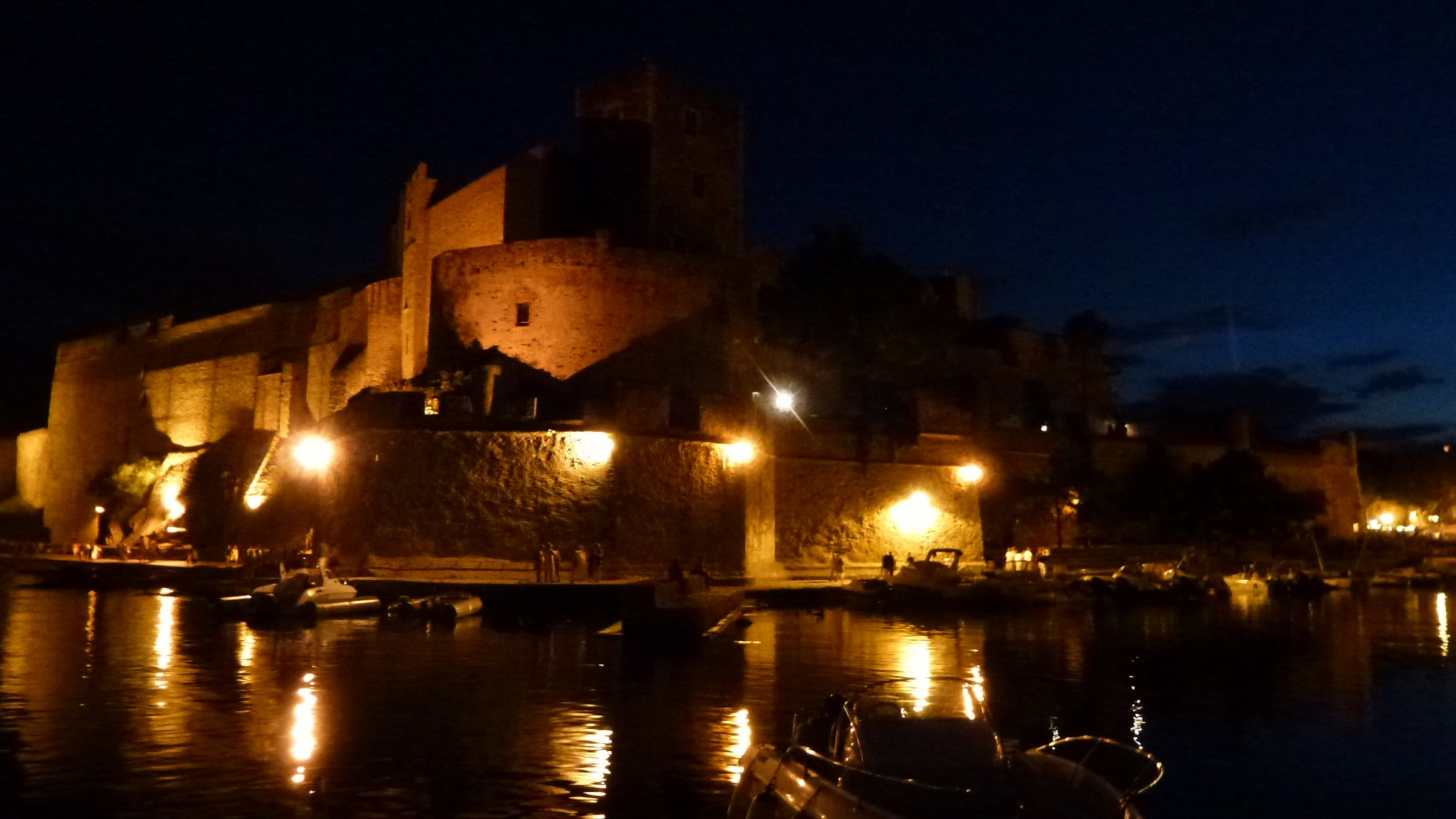 Nuit sur le ch teau royal de collioure catherine burg - Chateau royal collioure ...