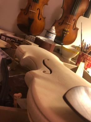Violino ovale nuova concezione